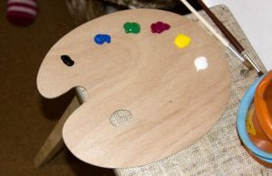 Artist Paint Palette: complete types and differences explanation from Smart Art Materials. Find out what is the best palette for acrylic painting.